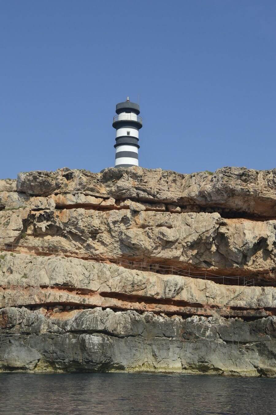 Faro en Cabrera