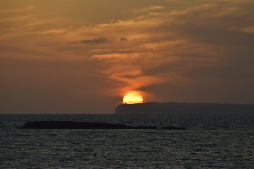 Puesta de Sol desde la Playa dels Estanys