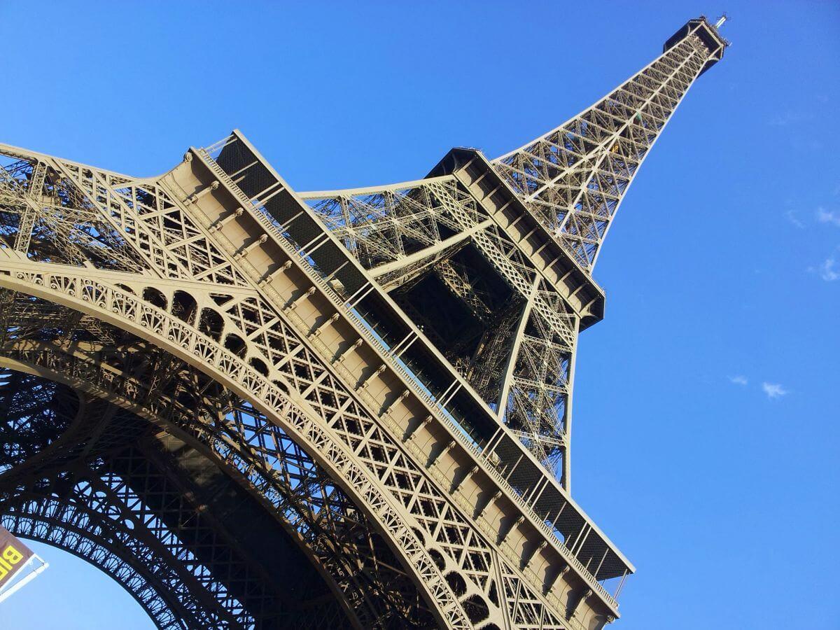 Torre Eiffel y alrededores de París