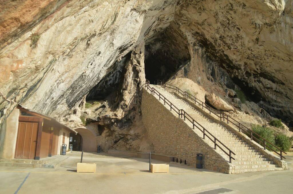 Escalinata Cuevas de Artà