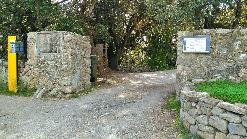 Entrada Poblado talayótico de Ses Païses en Artà