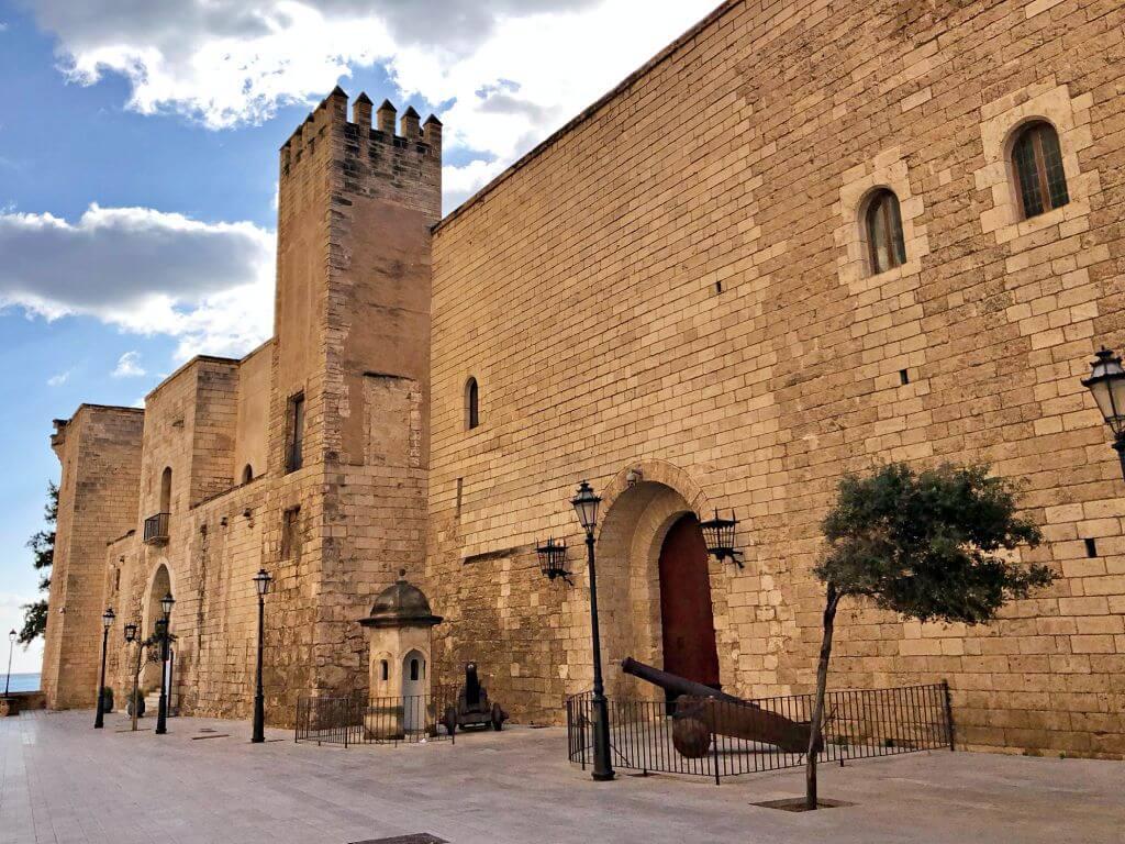 Fachada Palacio Real de La Almudaina